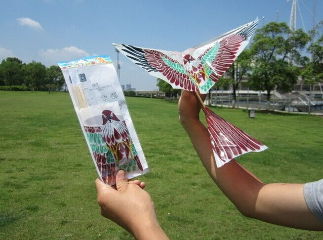 ornithopter toy rubber band powered flying bird 308 play in open place
